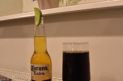Corona Flasche und Glas mit Cola Light